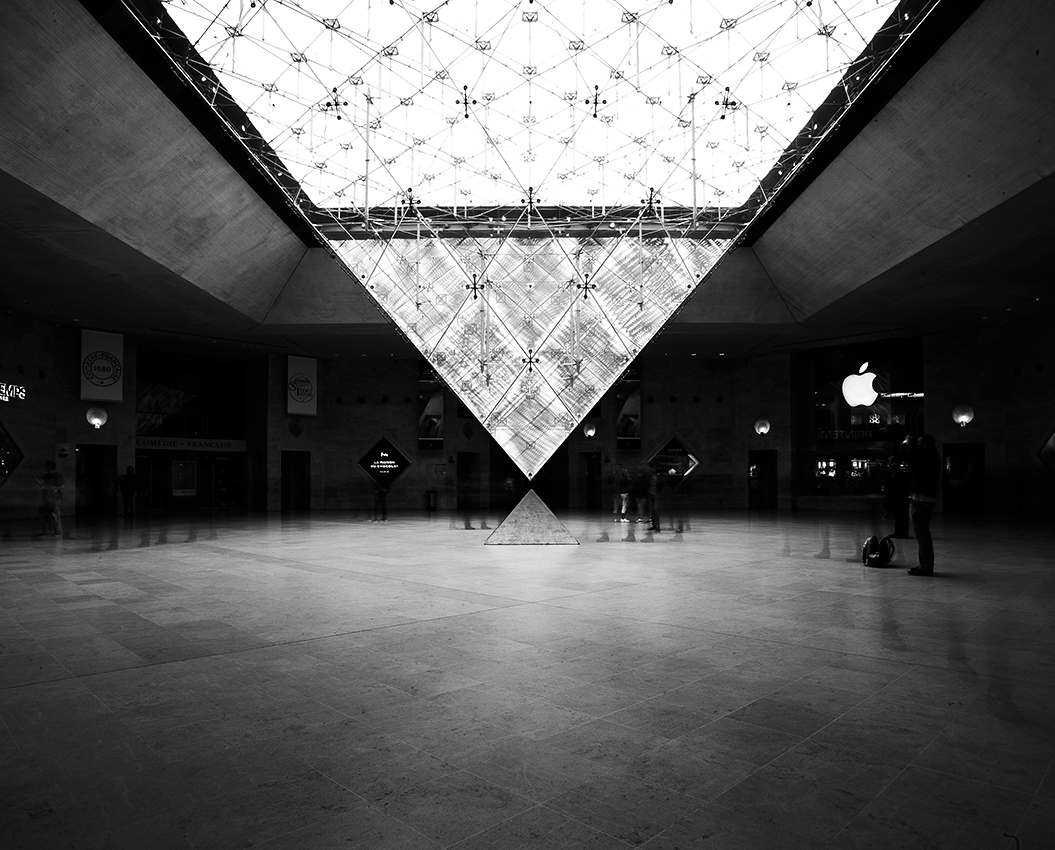 http://olivierlovey.ch/files/gimgs/52_pyramidelouvre.jpg