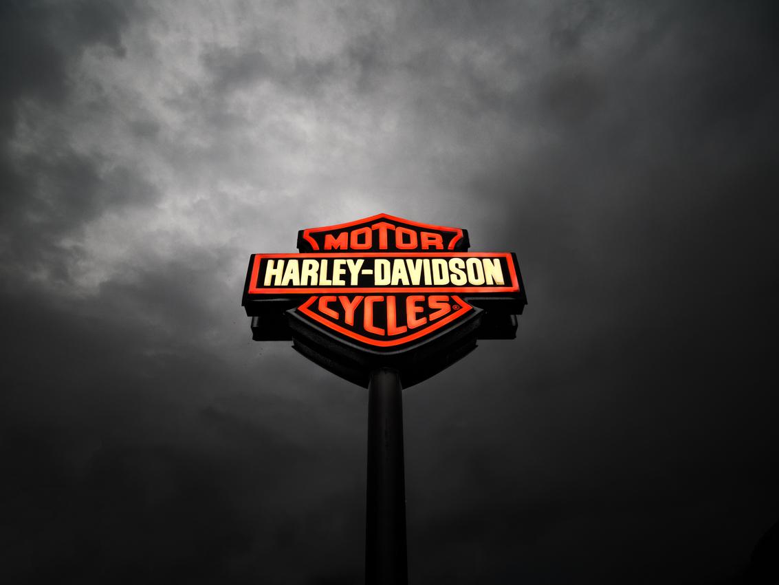 http://olivierlovey.ch/files/gimgs/59_enseigne-harleydavidson.jpg